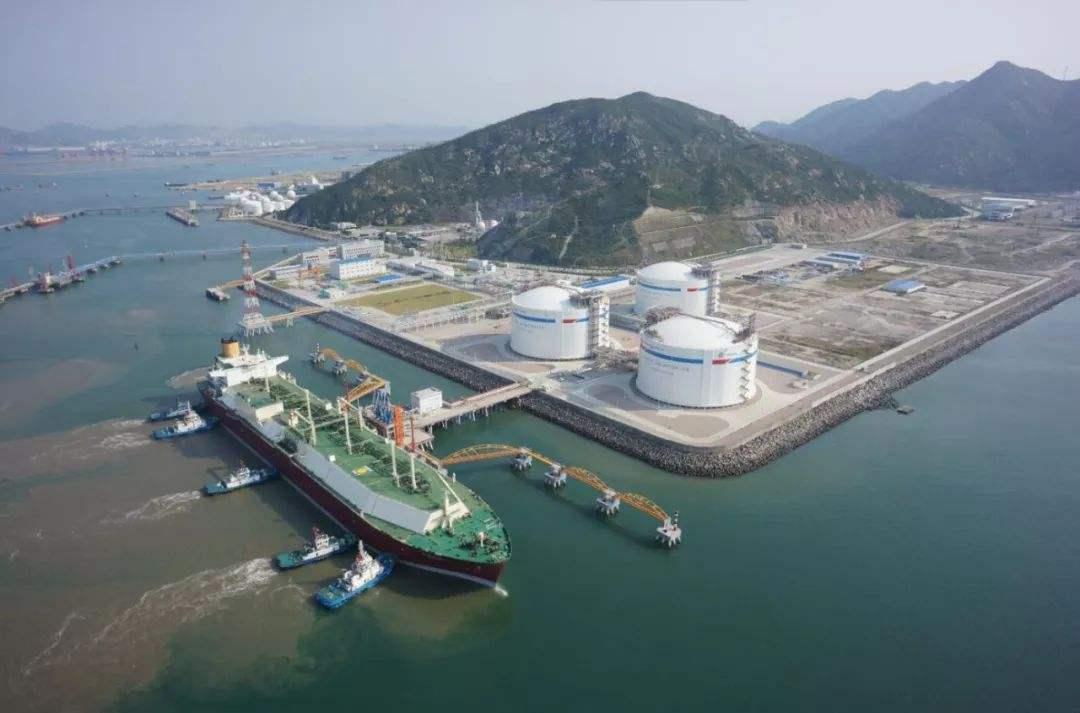 新加坡如何推进建设国际LNG加注中心港