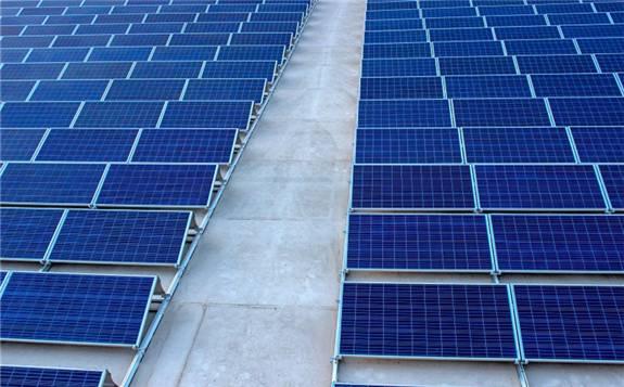 太阳能公司在印尼与可再生能源政策斗争