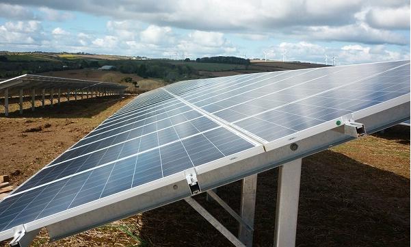 为何太阳能光伏单晶电池片价格两个月跌逾20%!