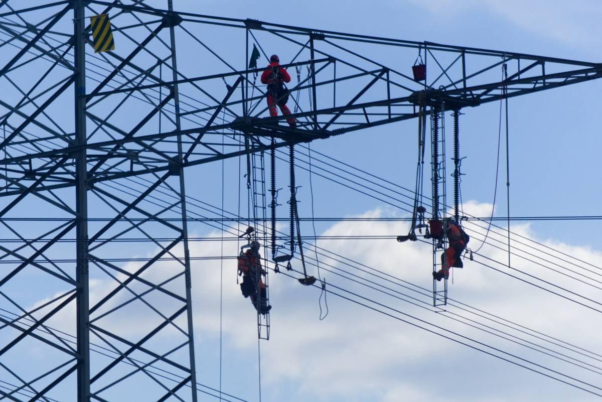 电力运营商TenneT:官僚作风和缓慢流程使德国电网的扩建进展缓慢