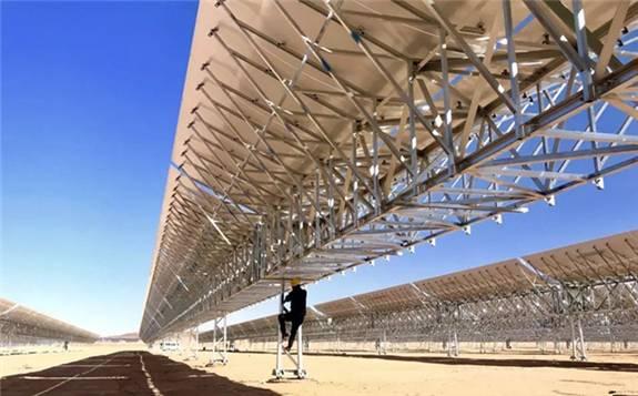 乌拉特100MW槽式光热项目建设现场组图