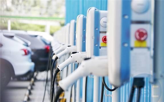 大规模建设新能源配套基础设施需要国家政策扶持