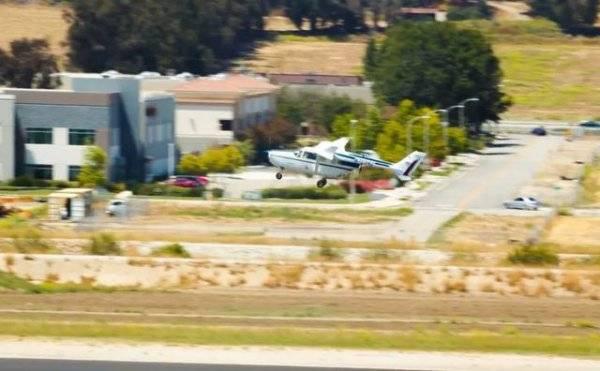 世界最大混合动力电动飞机首次试飞成功