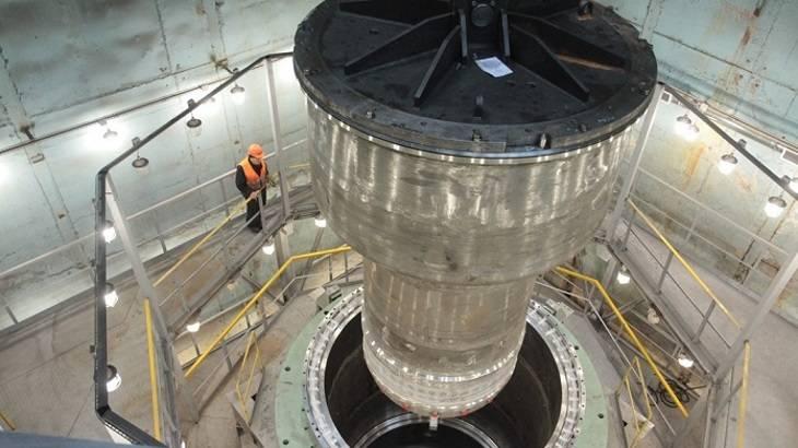 俄罗斯完成多用途钠冷快中子研究堆(MBIR)反应堆容器的水压测试