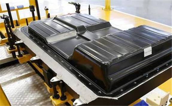 """新能源车电池迎""""退役潮"""" 20万吨动力电池回收估值将有据可循"""