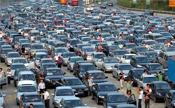 全球汽车产量正以金融危机以来最快速度下降 对全球石油需求产生了极大影响