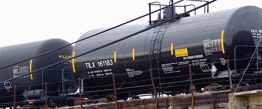 加拿大不确定何时将扩大的输油管投入使用,将强制削减原油产量的措施延长一年