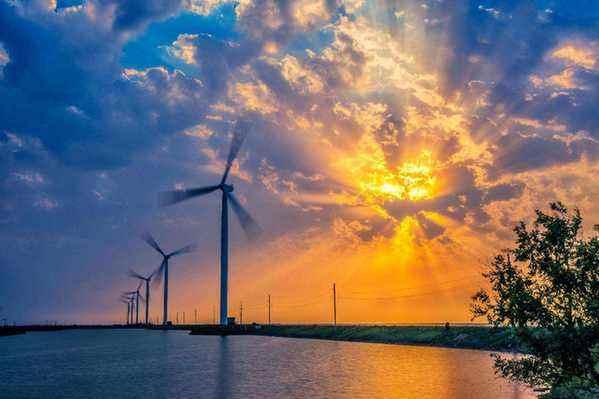 约旦能源专家:政府以数倍的成本购买可再生能源
