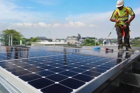 法国公司道达尔建成第1000个太阳能供电服务站