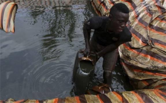 尼日利亚因盗窃损失了约2200万桶原油产量 意味每日损失超12万桶