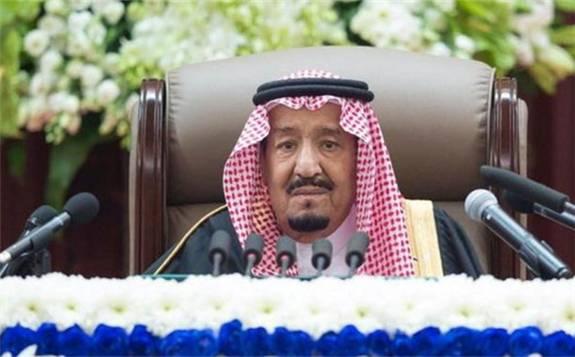 今年以来,石油业构成了相当大的拖累,预计沙特今年经济增长率仅为0.3%
