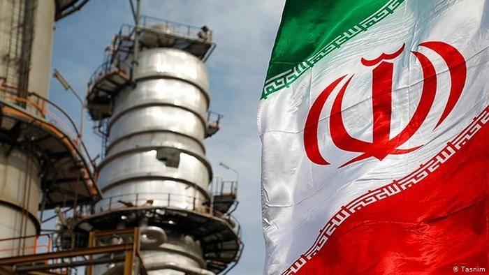 """美表示将继续向伊朗实施制裁,伊朗的石油销售""""严重下滑"""""""