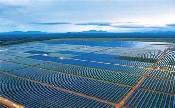 国电投澳大利亚最大单体光伏电站并网发电