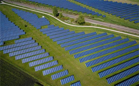 光伏发电成本降低 助力提前达成巴黎协定碳排放目标