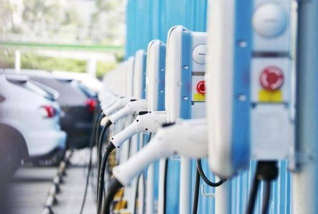 2020年充电服务市场规模将超200亿元 运营潜力十分巨大