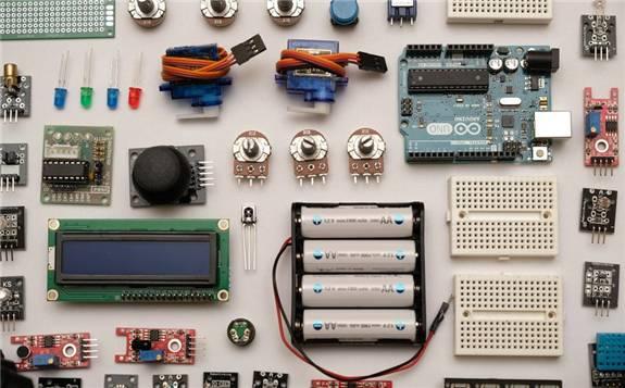 """作为电动汽车""""心脏""""的锂电池,重新""""定义""""汽车"""