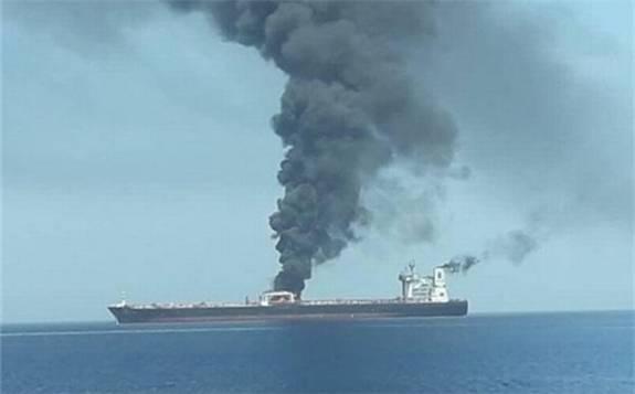 伊朗油輪在沙特附近海域遭兩枚導彈襲擊