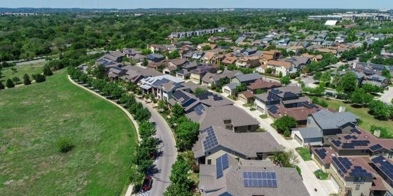 非洲第一所100%利用太阳能发电的学校正式投入使用