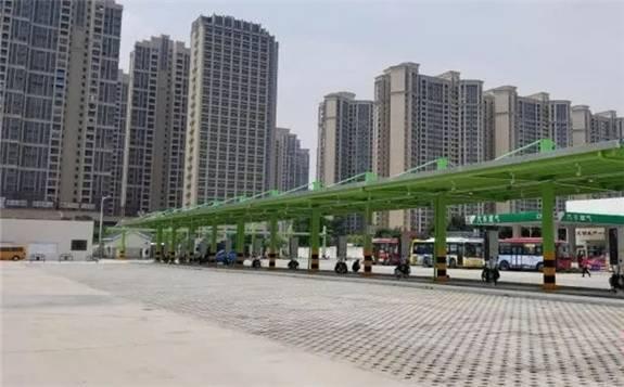 广东电网公司启用首个大规模应用柔性充电堆技术公交充电站