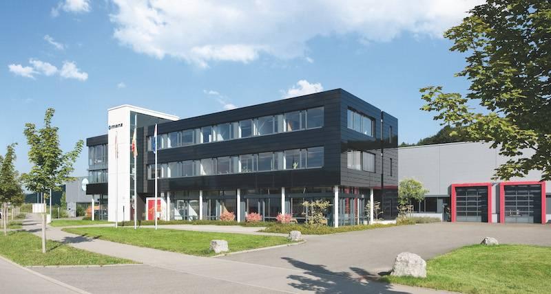 KomVar在MANZ集團德國圖賓根(TüBINGEN)廠區生產高科技電池芯