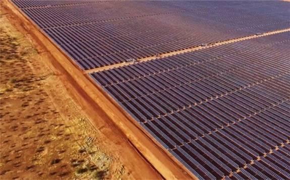 埃及东北部的西奈地区新建太阳能光伏电站开始发电