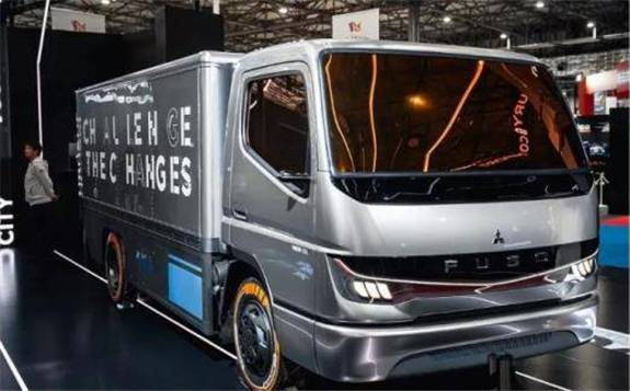 三菱扶桑推出首款氫燃料電池卡車