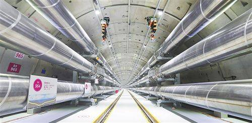 我国电工装备制造能力实现飞跃 两大电网工程投运再破世界纪录