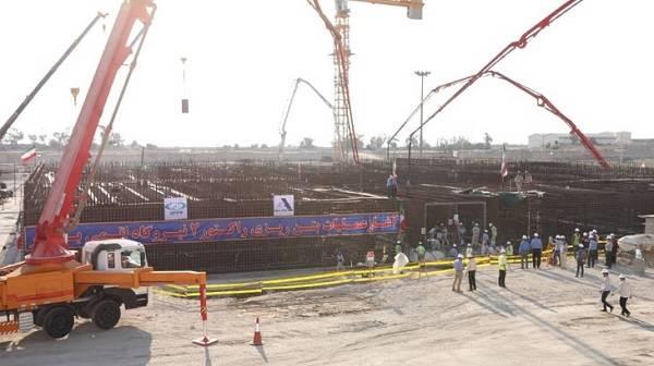 伊朗布什尔核电站2号机组浇筑第一罐混凝土