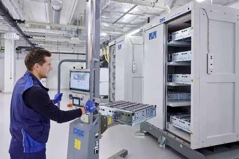 宝马全新电芯技术中心正式启用
