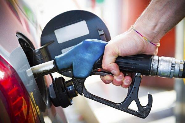 國內油價或迎年內第13次上調,加滿一箱多花2.5元