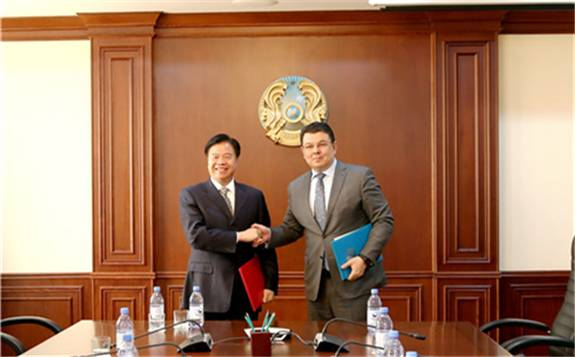 助力推动中哈油气合作 中国石油在哈萨克斯坦签署两项重要协议