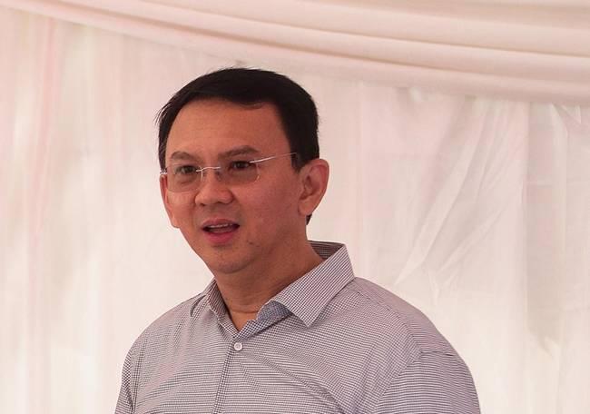 印尼前华裔省长钟万学将担任国有石油公司董事长