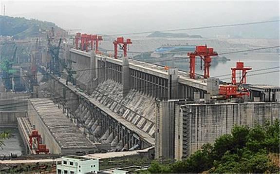 伊朗內閣批準為電廠和鐵路項目融資20億歐元