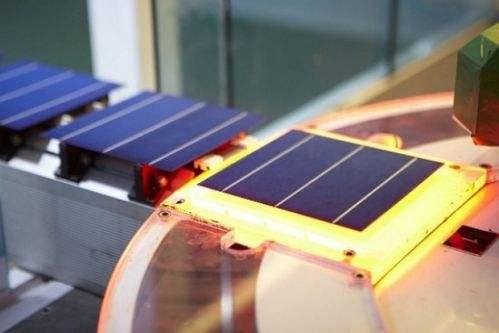 国内首条量产规模IBC电池和组件生产线成功投产