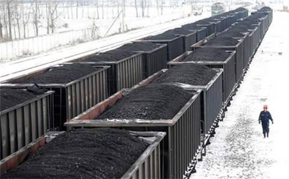 发改委:10份全国铁路发运煤炭2亿吨 同比增加7%