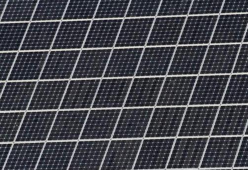 英国:太阳能板可在夜间维持电网电压起伏