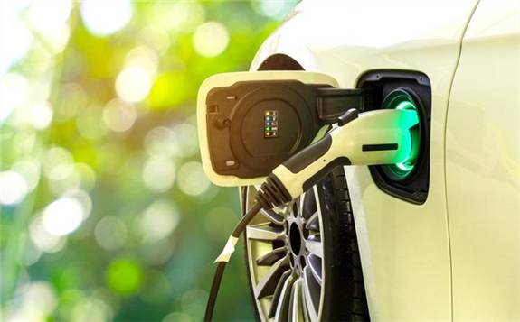 全球新能源乘用车销量不足15万辆 同比下滑28%
