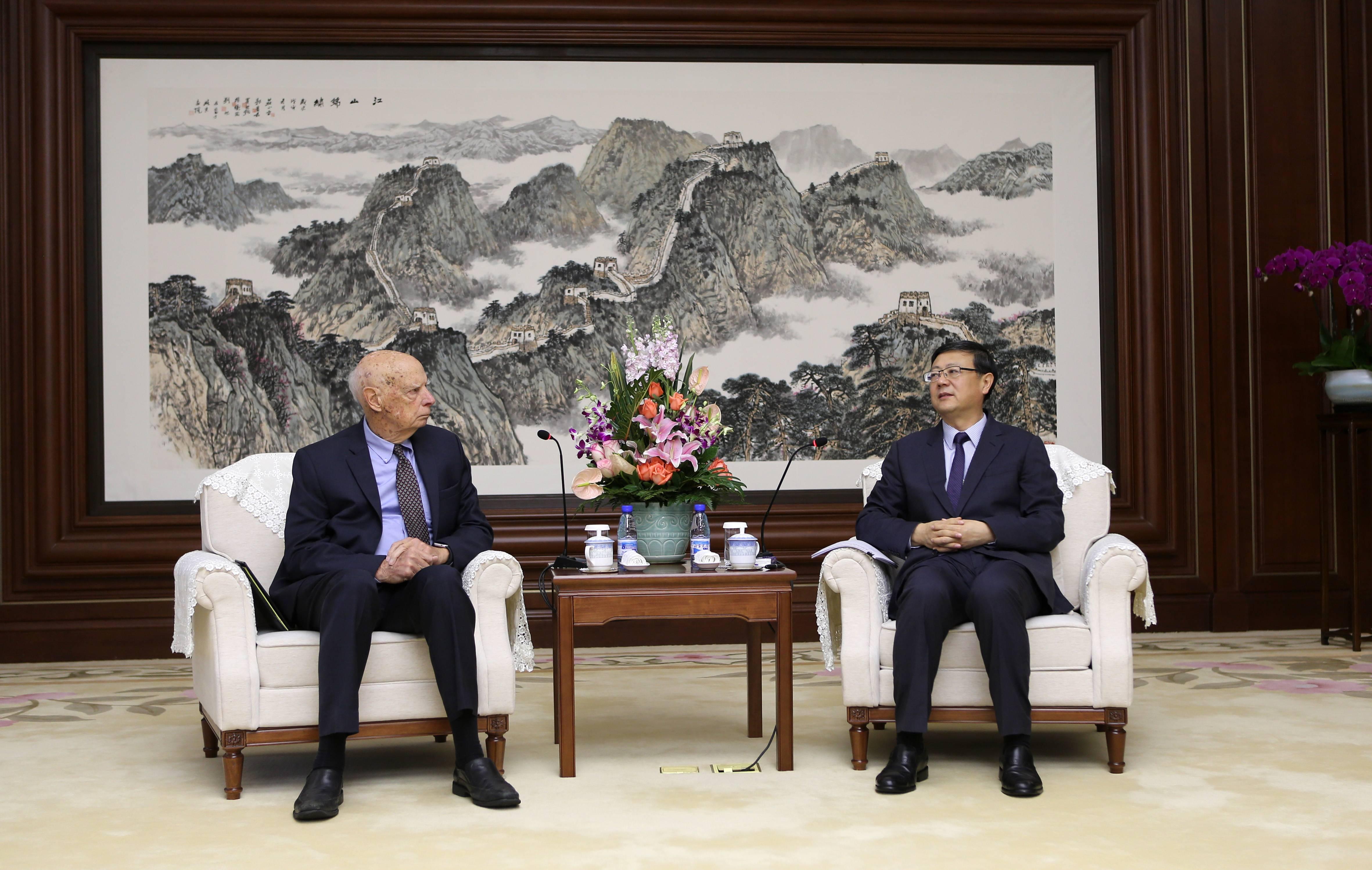 北京市市长陈吉宁会见能源基金会代表,并见证其与北京市生态环境局签署合作协议