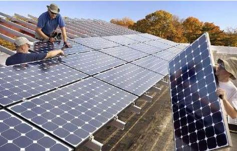 特朗普太阳能电池关税政策致使6.2万个就业岗位和190亿美元的投资丢失