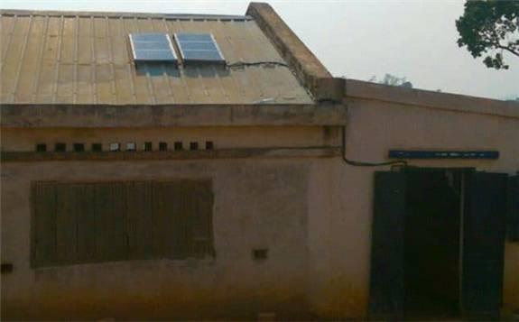 馬達加斯加Jirogasy公司在當地現場生產和安裝太陽能系統