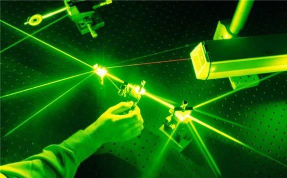 利用X射线的最新自由电子激光器,可以在较低能量下引发核聚变