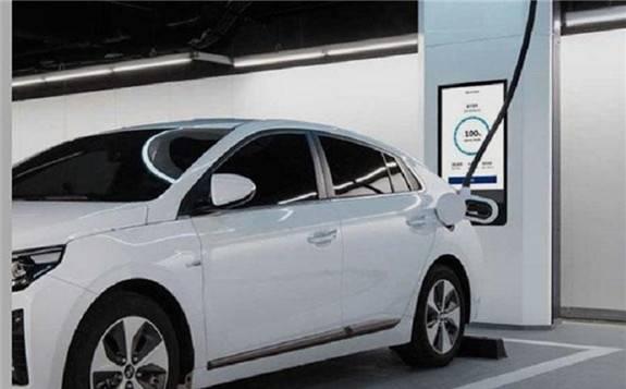 现代汽车推出超高速电动汽车充电设备