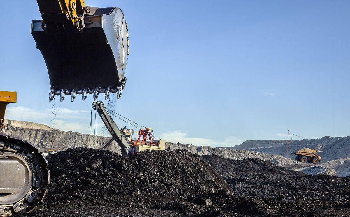 过去10年美国煤炭产量下降37%