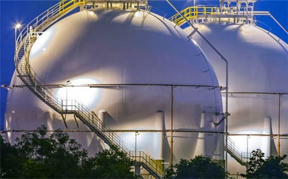 全球液化天然气市场的供过于求可能会持续到今年年中