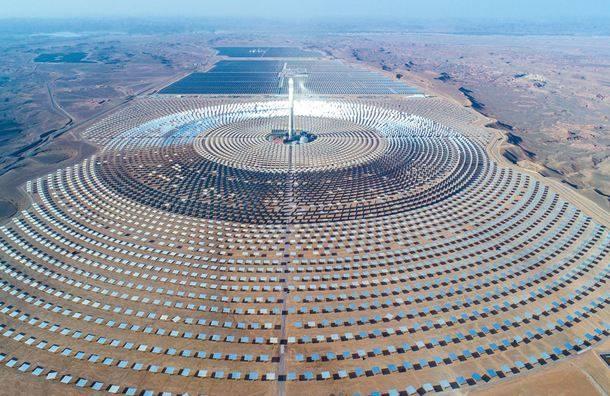 """""""中国方案""""引领世界光热建设获奖——世界单机容量最大的槽式光热电站工程"""