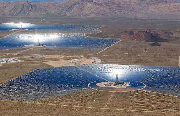"""阿拉善左旗""""十三五""""规划:建设1000万千瓦的光热和风光互补发电等项目"""