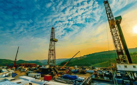 长庆油田今年累计生产天然气突破400亿立方米,实现又一次历史性跨越