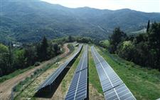 为减少柴油发电污染 希腊在一座岛上安装了全国第二个微电网