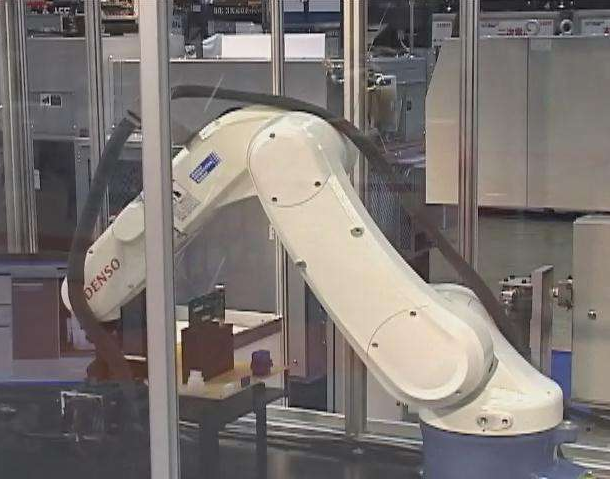 国内首个水电站缺陷检测机器人投入使用