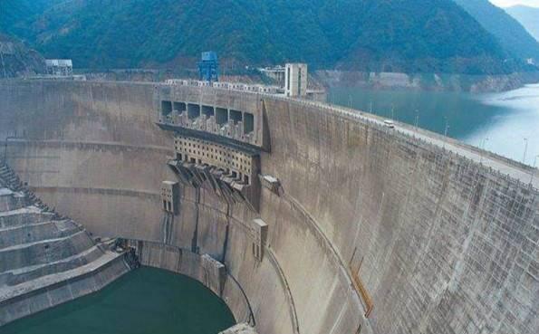 四川水电外送电量突破1万亿度